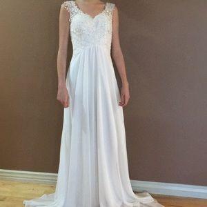 Dresses & Skirts - ELEGANT WEDDING Dress